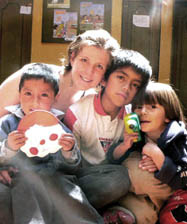 Karina Phipps with Ecuadoran kids