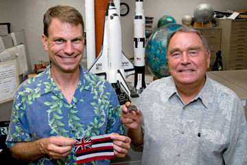 Astronaut Stanley Love with HIGP planetary scientist Klaus Keil