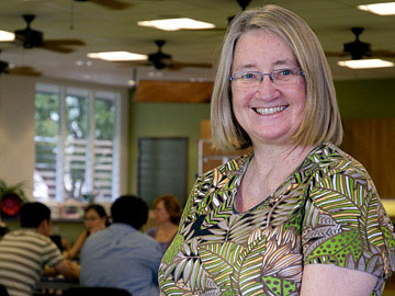 Kapʻiolani Professor Judith Kirkpatrick helps spearhead the college-community partnership