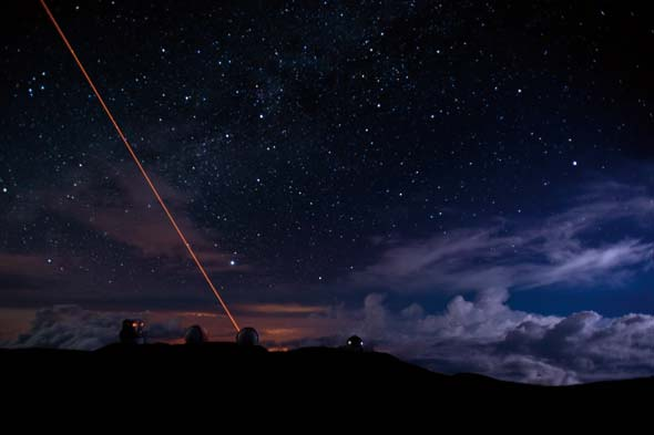 Keck II telescope using a special purpose laser, award-winning photo by R. David Beales