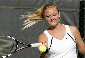 Natasha Zorec playing tennis