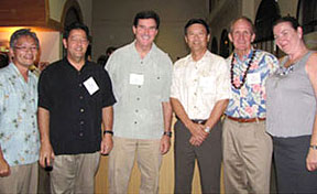 Hawaii travel school alumni group shot
