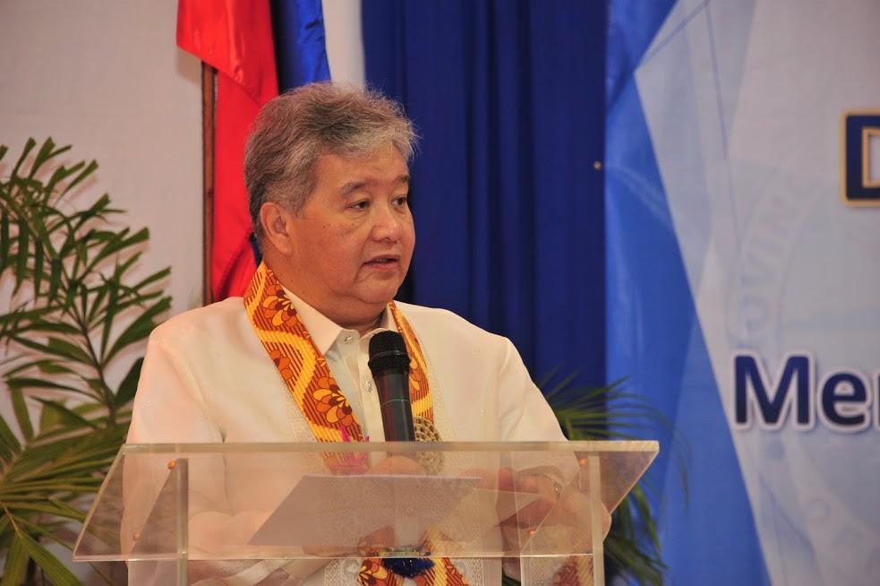 Mānoa: Economics Alumnus Helps Guide Monetary Policies For