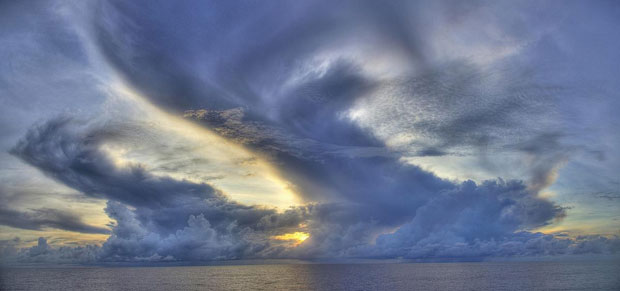 Three-layered cloud structure over Indian Ocean (photo by Owen Shieh)