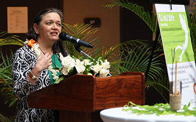 Hawaiian law publication unveiled : University of Hawaiʻi System News