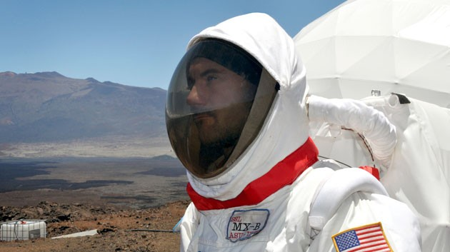 Team performance factors the focus of new Mars simulation