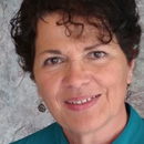Jackie Johnson receives Rose of Excellence award from Zonta Hilo