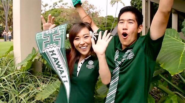 Two happy UH Manoa students