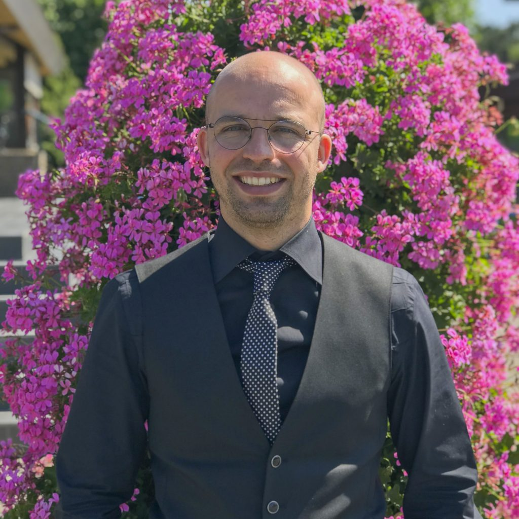Dr. Niels Grobbe
