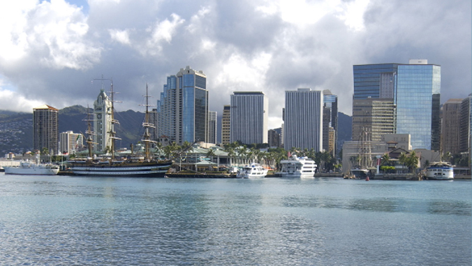 landscape of Honolulu harbor