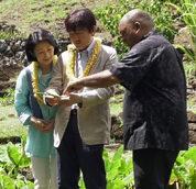 Japan royal couple visits with UH Mānoa students, programs