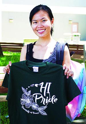 JinLing Yan with her winning shirt design