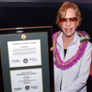 Legend Carol Burnett receives honorary UH degree