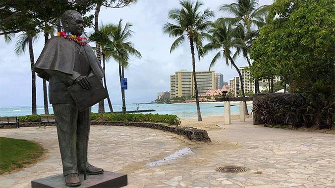 Waikiki beach and Duke statue