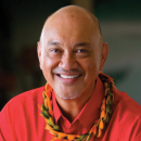 Hawaiʻi music legend Robert Cazimero keeps show going with virtual workshop