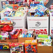 Hundreds of Toys for Tots, UH Mānoa shows aloha