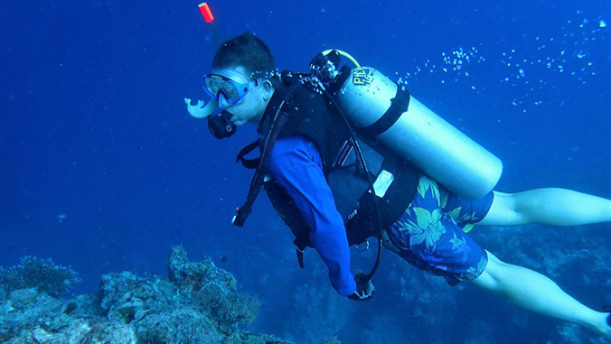 Pioneering ocean acidification research finds grave concern for coral reefs