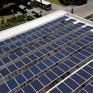 Rooftop solar array on Sinclair Library